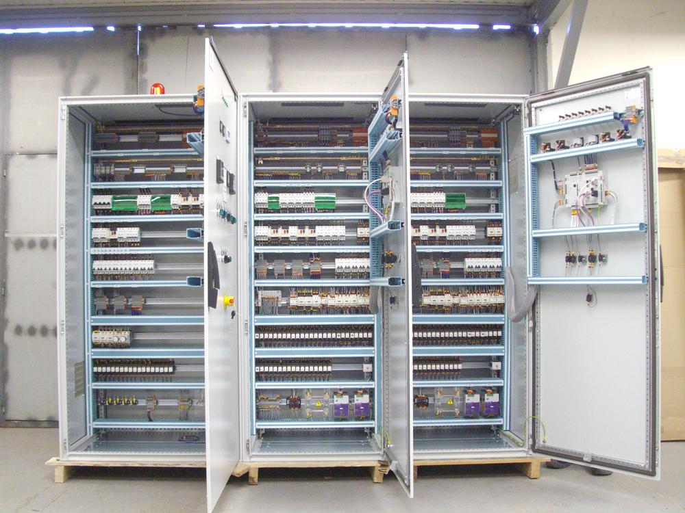 C blage d armoires lectriques et de coffret dreux et r gion centre - Cablage d armoire electrique ...